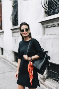neoprene_dress-calvin_klein-black-backpack-mary_janes_shoes-topshop-bandana-rayban_rounded_sunnies-outfit-street_style-mfw-milan_fashion_week-14-790x1185