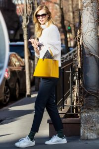 karlie-kloss-is-making-a-serious-case-for-this-unexpected-styling-trick-1650283-1454969699-640x0c